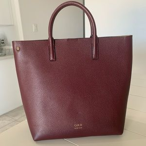 OAD New York Tall Leather Carryall Tote Burgundy